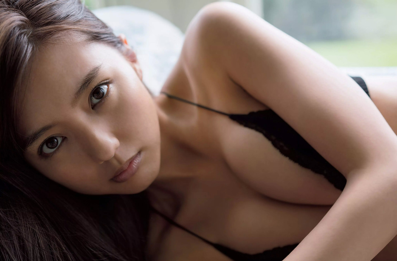 真野恵里菜(26)最新写真集のセミヌードが抜けるエロ画像44枚・14枚目の画像