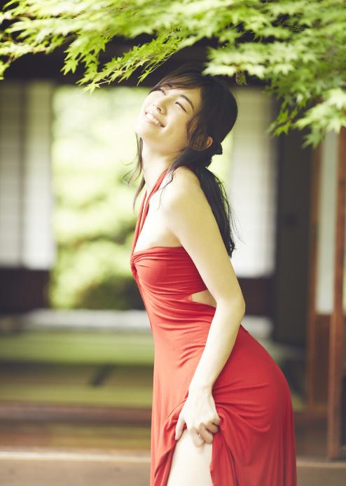 松井珠理奈(20)の最新グラビア、アイコラ等抜ける画像140枚|エロ牧場・39枚目の画像