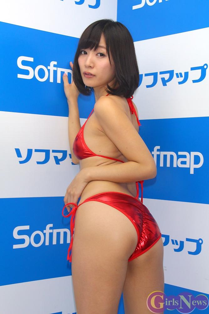 階戸瑠李(28)ヌード間近の透け乳首解禁グラビア画像100枚・67枚目の画像