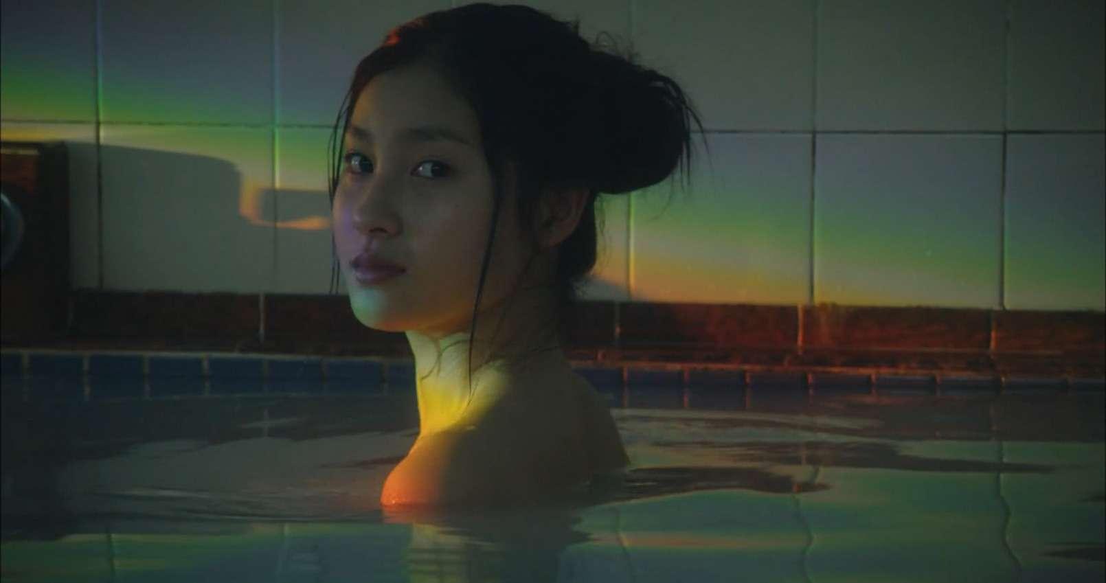 土屋太鳳(22)のアイコラ・胸チラ・グラビア…etcエロ画像80枚・94枚目の画像