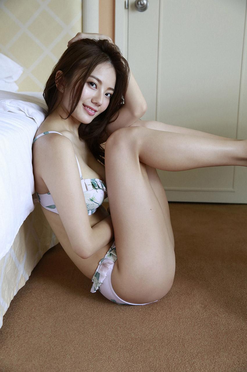 伊東紗冶子(23)Gカップキャスターの水着グラビア画像128枚・70枚目の画像