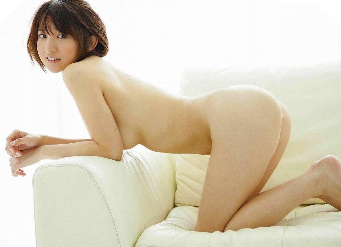 芸能人ヌード 生尻エロ画像32枚!お尻ヌードってことは撮影現場ではオマンコ見えてるってことだよな?www・38枚目の画像