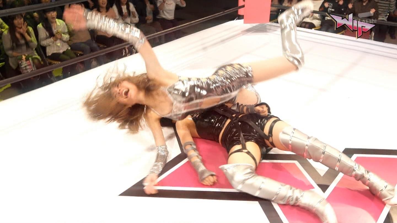 AKBプロレスドラマ エロ画像96枚!松井珠理奈のマンスジ、白間美瑠の胸チラ、高柳明音の乳首ポッチetc…・72枚目の画像