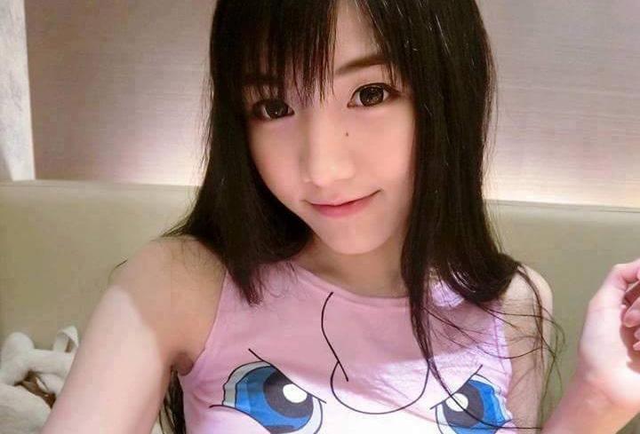 韓国アイドル級美女の自画撮りエロ画像23枚・1枚目の画像