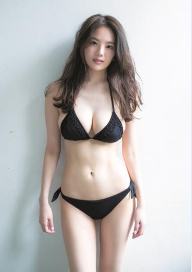 伊東紗冶子(23)Gカップキャスターの水着グラビア画像128枚・32枚目の画像