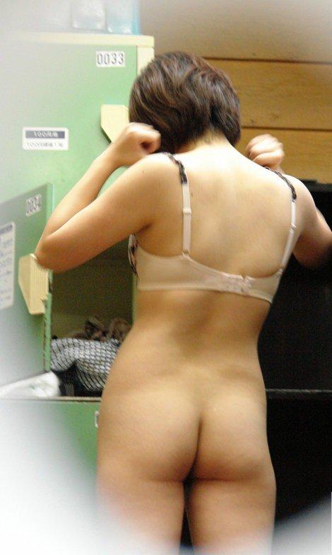 男子禁制!更衣室の隠し撮り盗撮エロ画像20枚・3枚目の画像