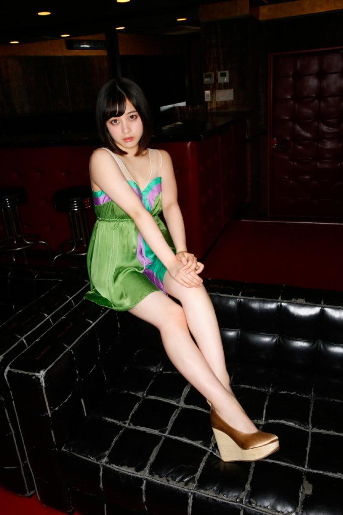 橋本環奈の週刊誌のグラビアエロ画像035