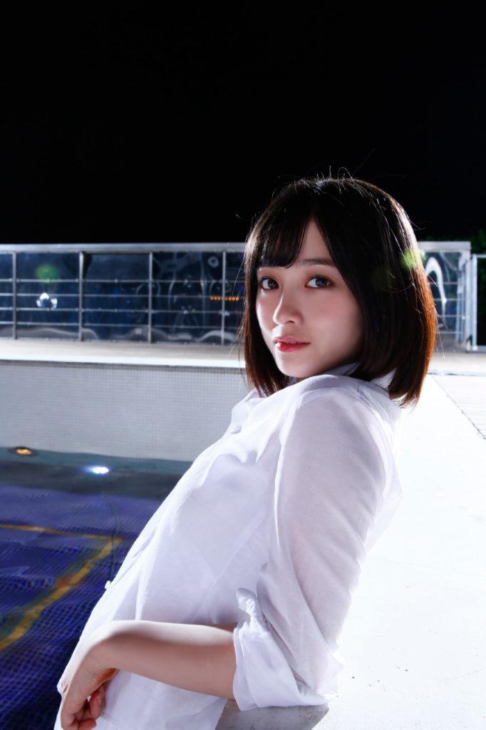 橋本環奈の週刊誌のグラビアエロ画像036