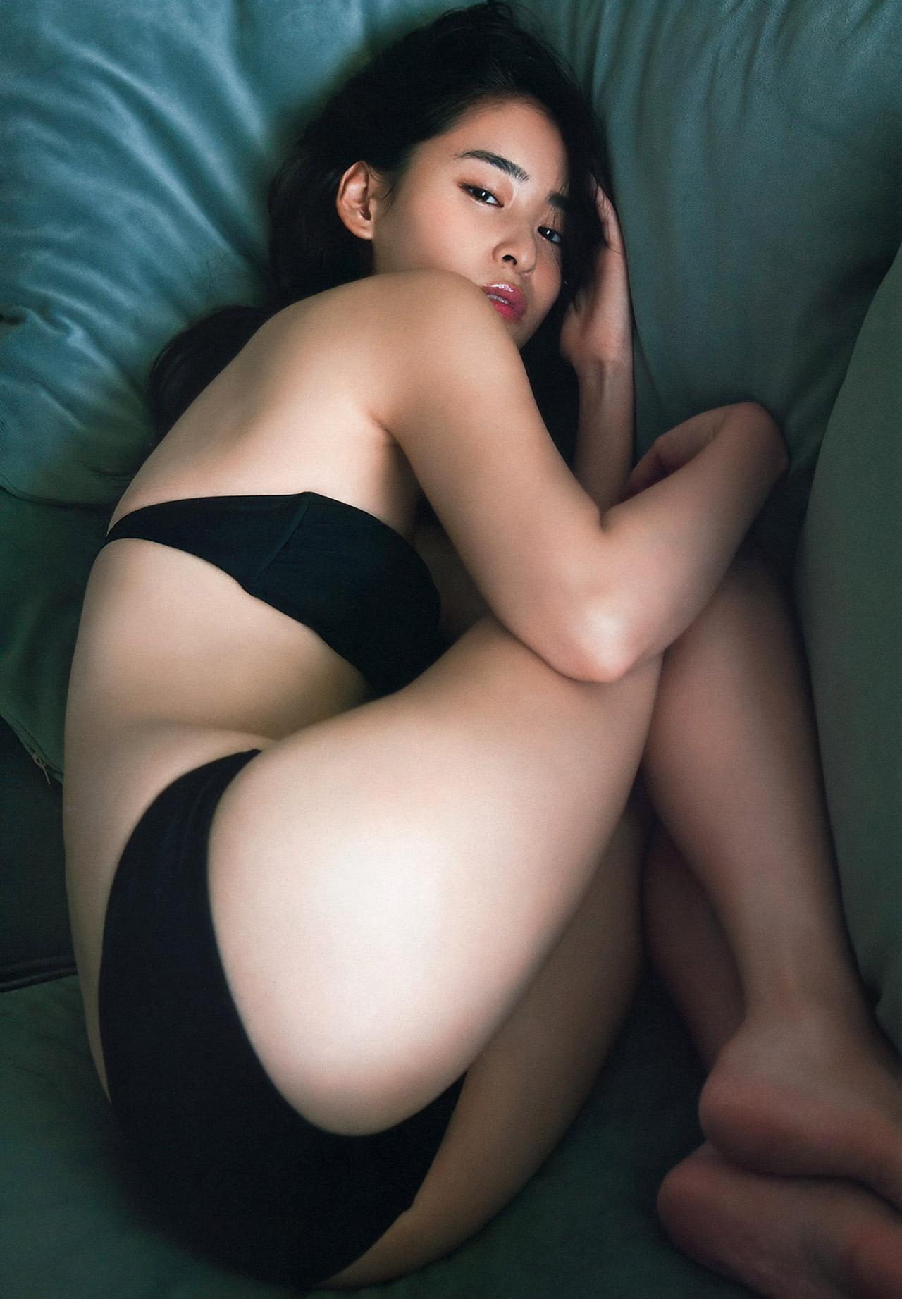 柳美稀の水着グラビアエロ画像012