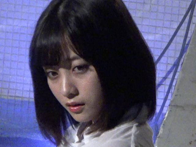 橋本環奈の週刊誌のグラビアエロ画像041