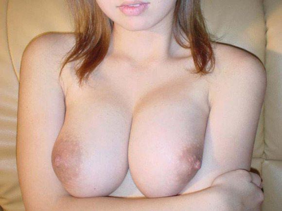 「乳デカ…」巨乳素人娘の抜けるエロ画像21枚・18枚目の画像