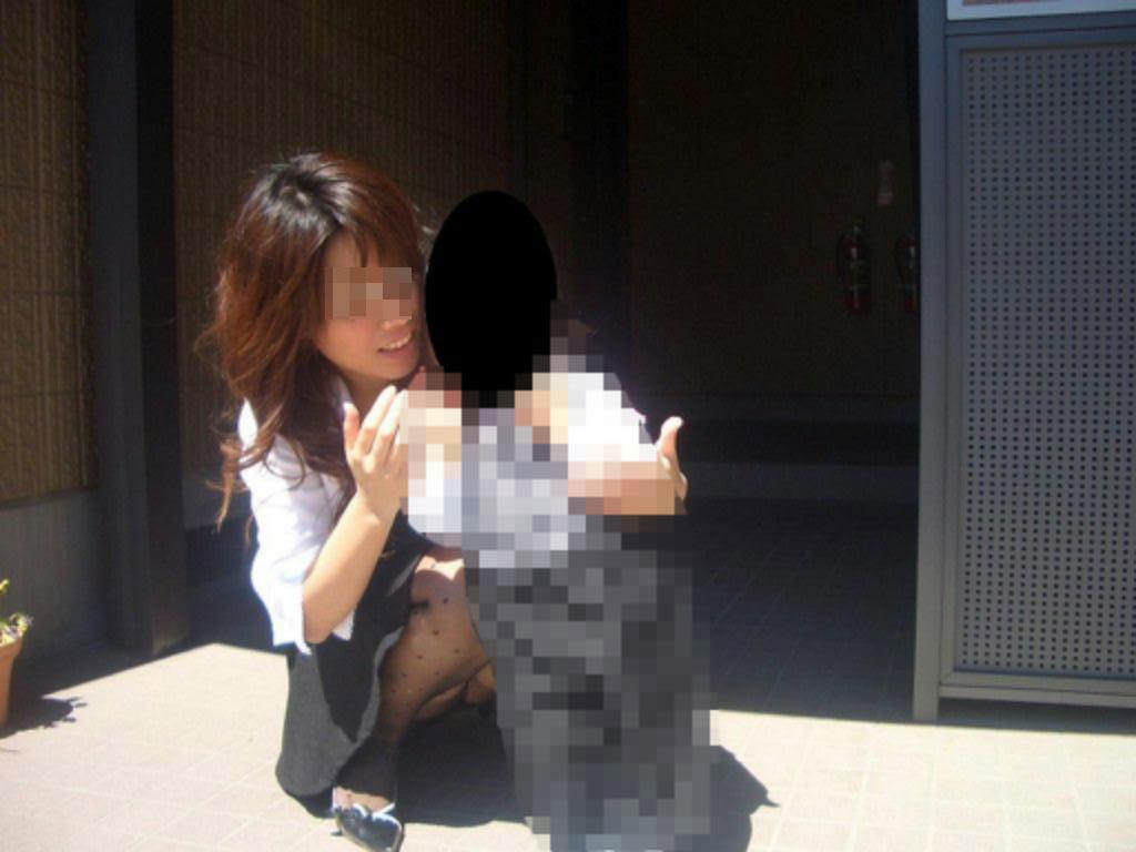子連れ妻のパンチラ盗撮エロ画像30枚・23枚目の画像