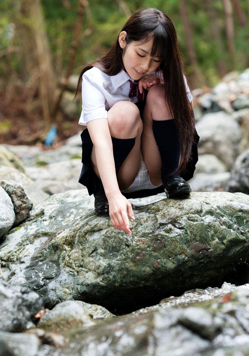 JKパンチラ!女子高生の制服姿のエロ画像32枚・30枚目の画像