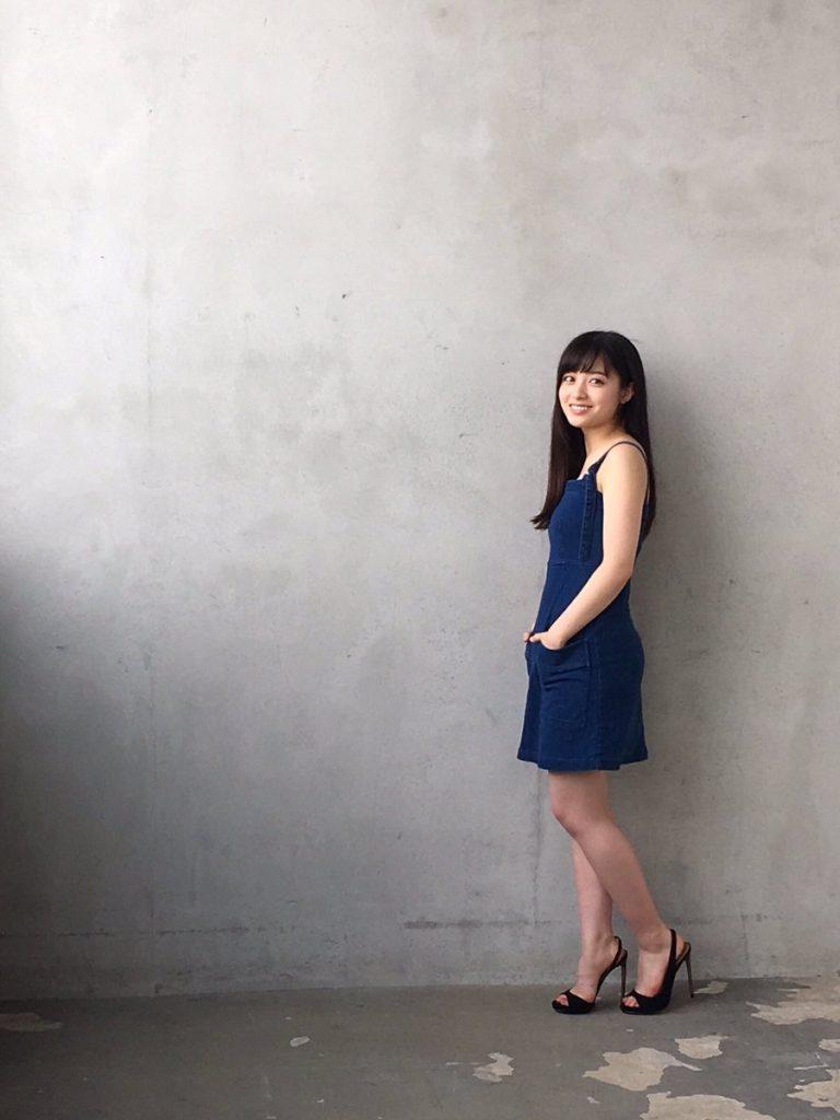 橋本環奈の週刊誌のグラビアエロ画像051