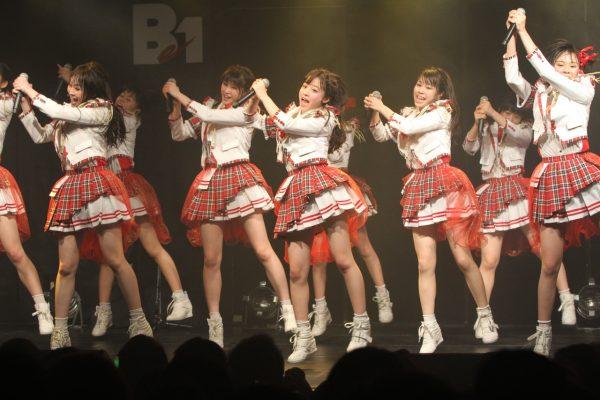 橋本環奈のアイドルグループ「Rev.from DVL」時代のエロ画像011