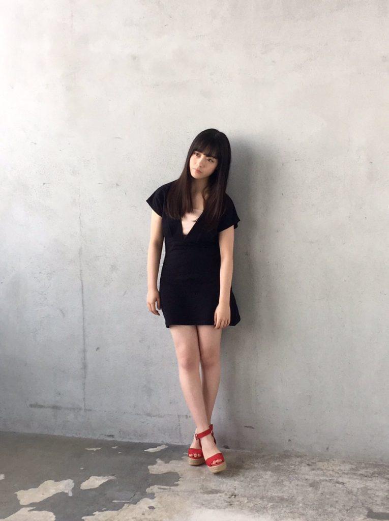 橋本環奈の週刊誌のグラビアエロ画像054
