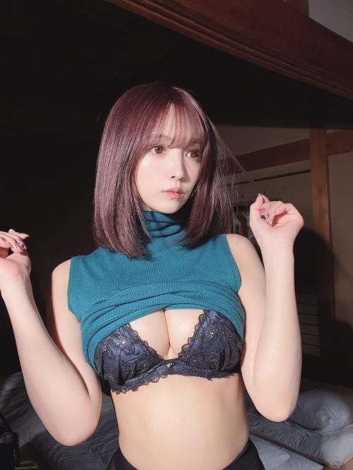 三上悠亜のSNSのセクシー自画撮りエロ画像059