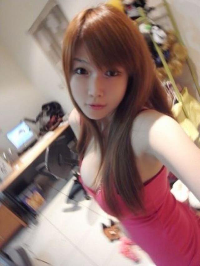 台湾美女の全裸自画撮りヌードエロ画像37枚・39枚目の画像