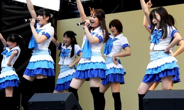 橋本環奈のアイドルグループ「Rev.from DVL」時代のエロ画像014
