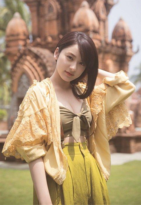 平祐奈の写真集のグラビアエロ画像002