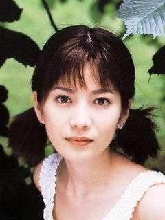 大石恵 マンスジ&水着エロ画像34枚!hydeの妻が美魔女系でぐうシコ!・3枚目の画像