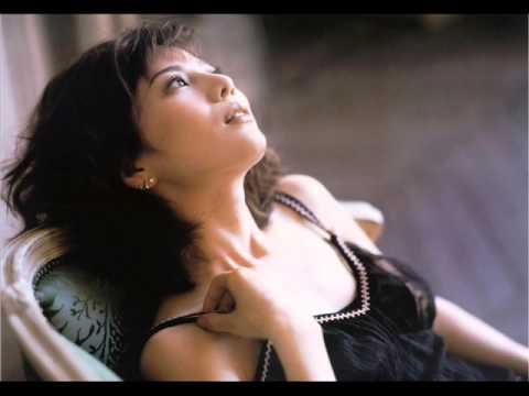 大石恵 マンスジ&水着エロ画像34枚!hydeの妻が美魔女系でぐうシコ!・4枚目の画像