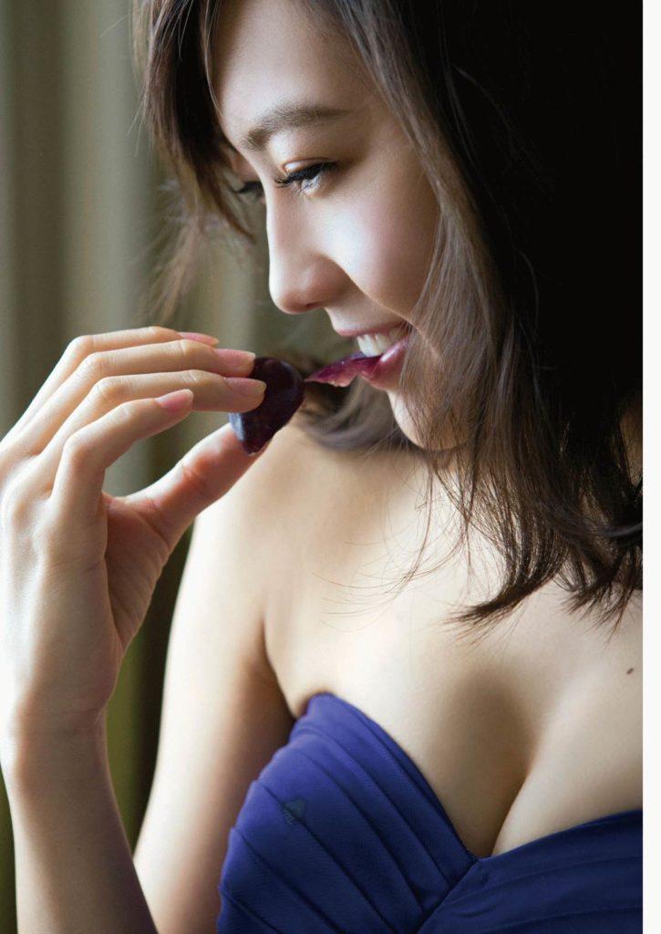 木崎ゆりあ(21)の上裸ヌードグラビア&アイコラエロ画像100枚・40枚目の画像