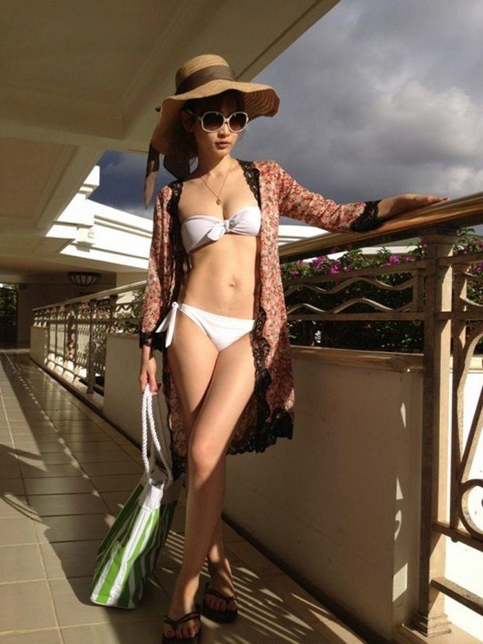 紗栄子(30)の最新インスタ水着&過去のお宝エロ画像30枚・10枚目の画像