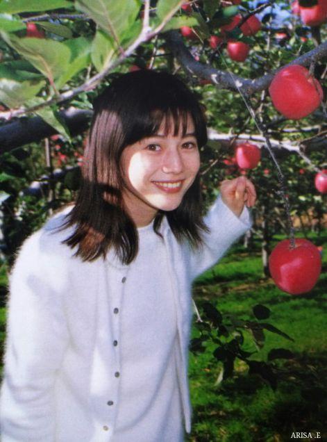 大石恵 マンスジ&水着エロ画像34枚!hydeの妻が美魔女系でぐうシコ!・11枚目の画像