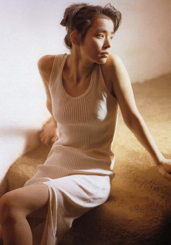石田ゆり子(49)の全裸ヌード濡れ場、水着グラビア画像70枚