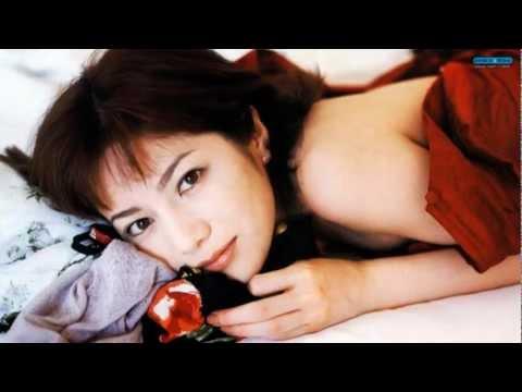 大石恵 マンスジ&水着エロ画像34枚!hydeの妻が美魔女系でぐうシコ!・15枚目の画像