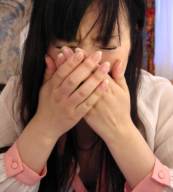 AV強要!?ガチ泣きしてるAV女優のエロ画像24枚・17枚目の画像