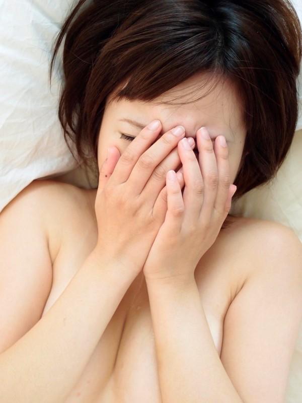 AV強要!?ガチ泣きしてるAV女優のエロ画像24枚・26枚目の画像