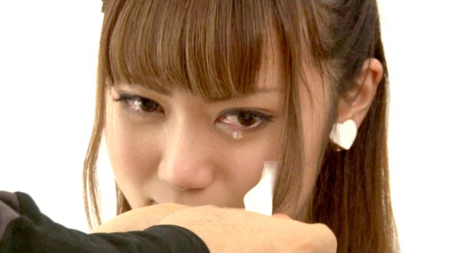 AV強要!?ガチ泣きしてるAV女優のエロ画像24枚・27枚目の画像
