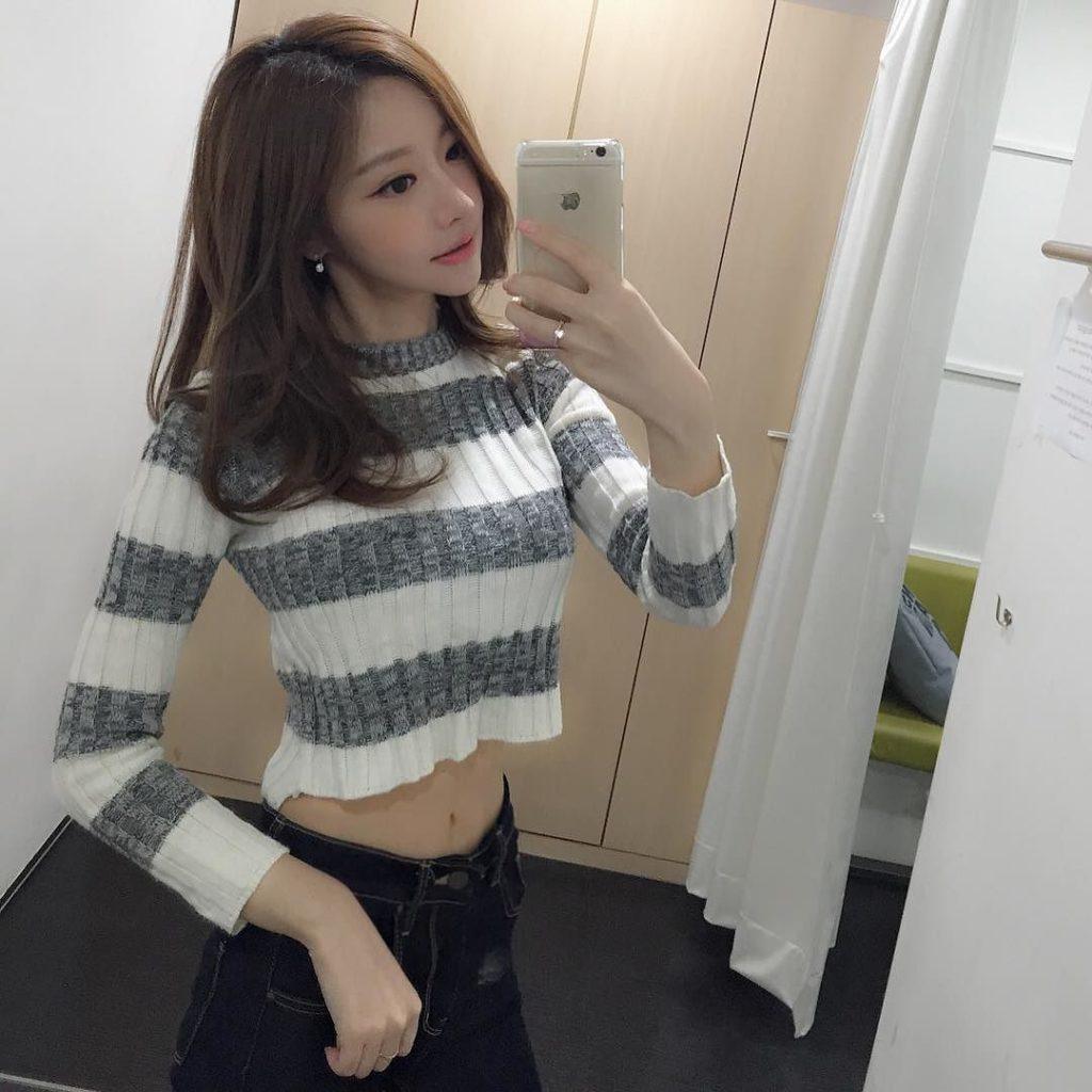 乳デカッ!韓国素人娘の着衣巨乳がけしからんエロ画像32枚・25枚目の画像