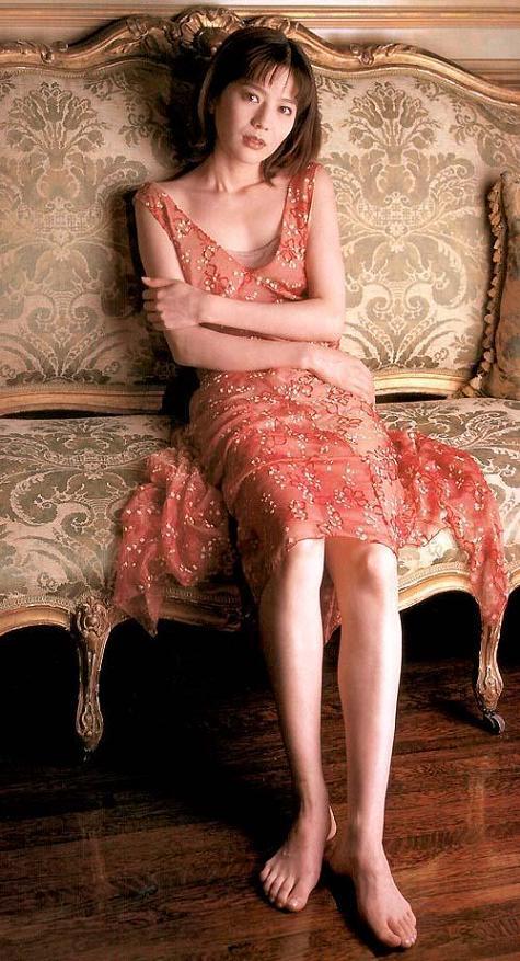 大石恵 マンスジ&水着エロ画像34枚!hydeの妻が美魔女系でぐうシコ!・27枚目の画像