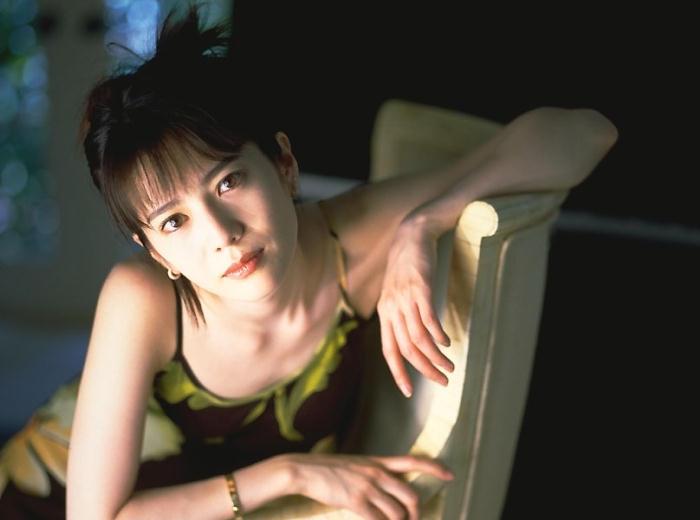 大石恵 マンスジ&水着エロ画像34枚!hydeの妻が美魔女系でぐうシコ!・37枚目の画像