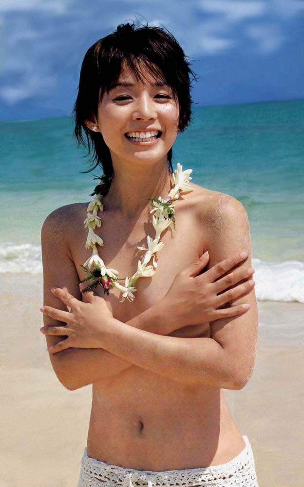 石田ゆり子 ヌード濡れ場&水着グラビア!全盛期の抜けるエロ画像46選・34枚目の画像