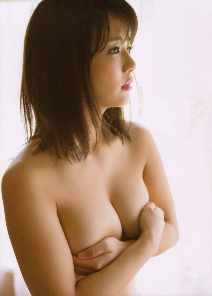 元AKB平嶋夏海(25)の手ブラヌード・写真集グラビア画像72枚・31枚目の画像