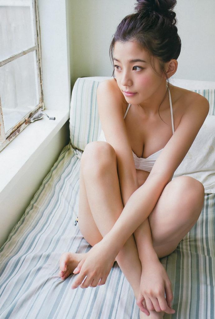 朝比奈彩(24)の写真集の水着グラビアが抜けるエロ画像160枚・120枚目の画像