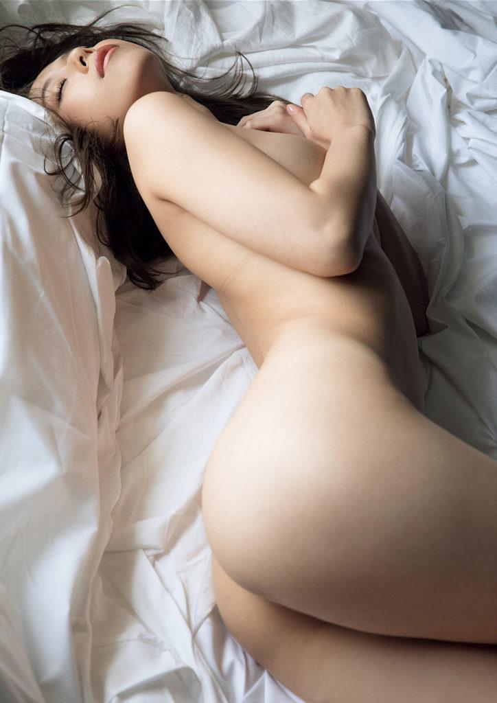 有村架純の実姉・有村藍里(新井ゆうこ)のヌード写真集エロ画像120枚・20枚目の画像
