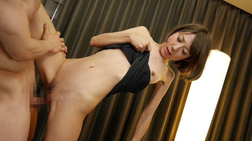 膣奥まで入る片足上げセックスのエロ画像32枚・9枚目の画像
