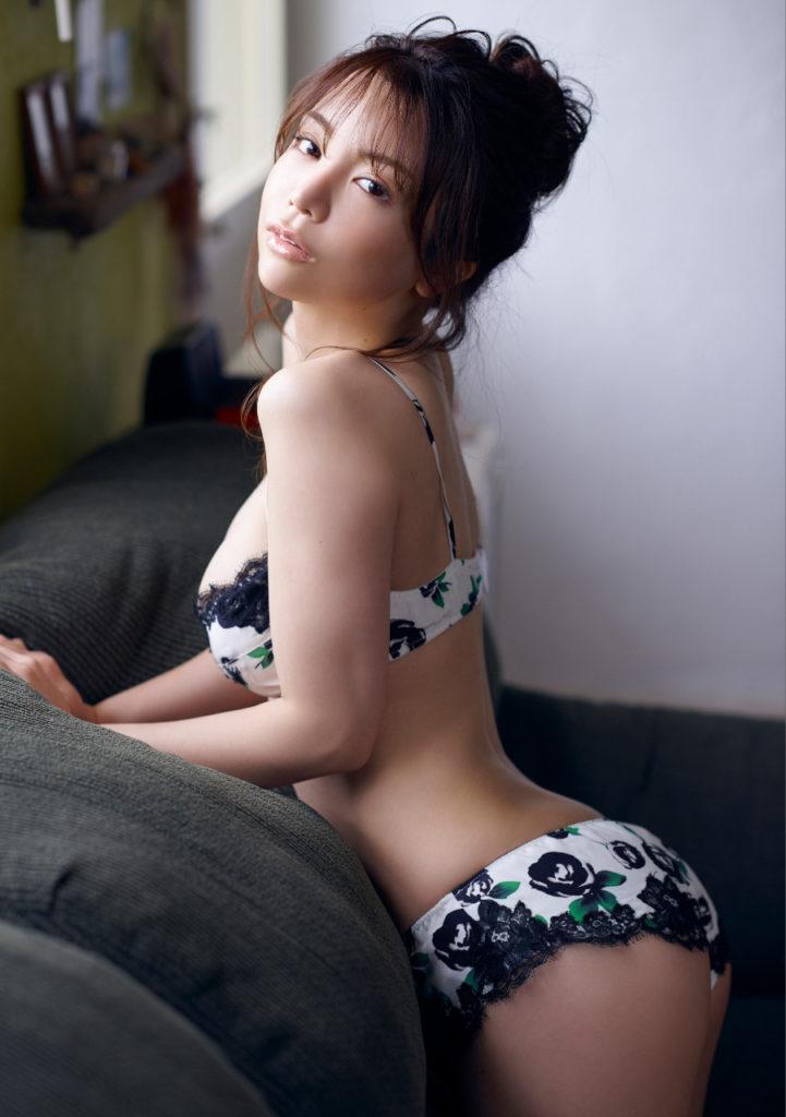 仲村美海の最新グラビアエロ画像10
