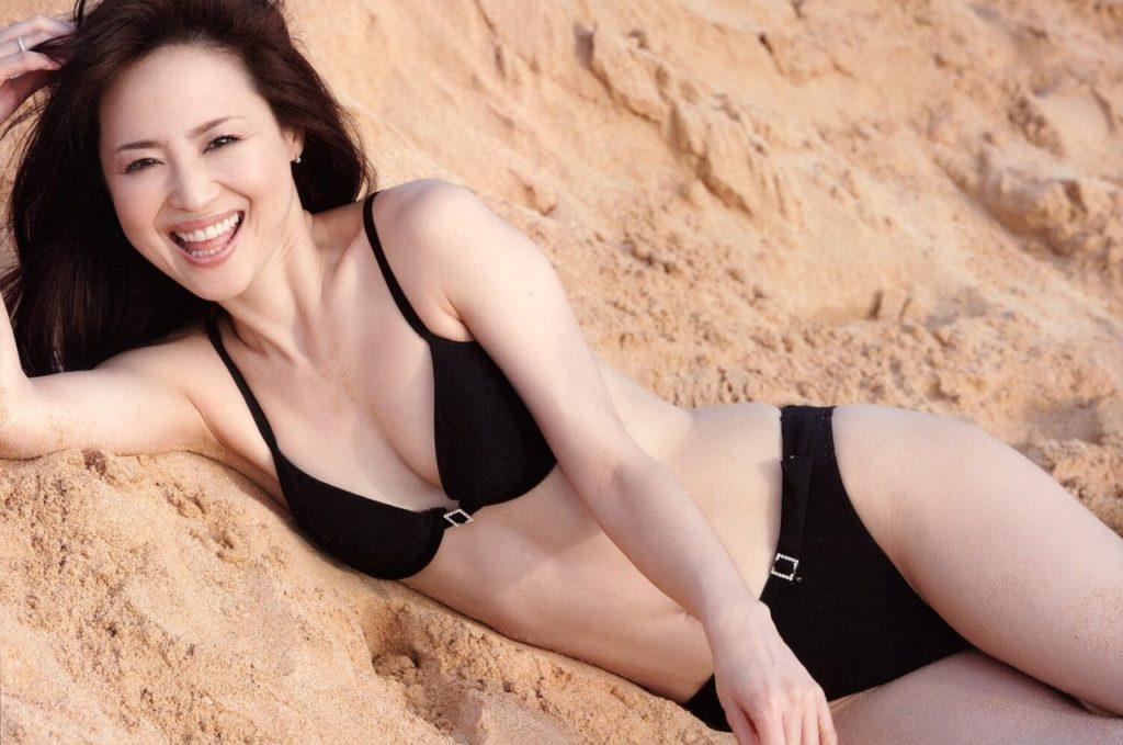 松田聖子(55)ヌード間近を匂わせるスケベ下着姿のエロ画像50枚・10枚目の画像