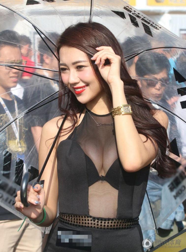 ストリップショーかな?台湾キャンギャルのエロ画像32枚・11枚目の画像