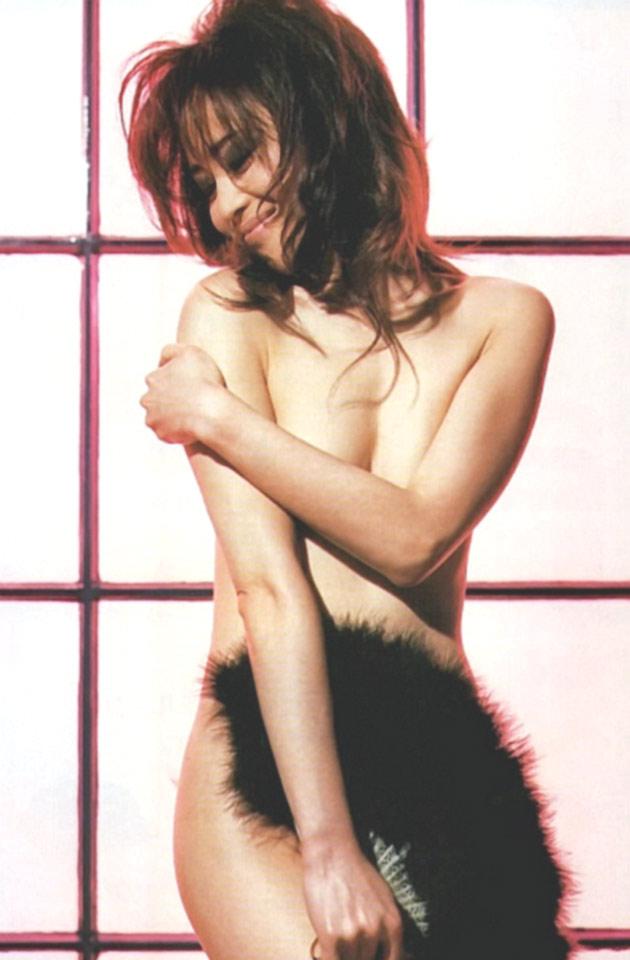 松田聖子(55)ヌード間近を匂わせるスケベ下着姿のエロ画像50枚・12枚目の画像
