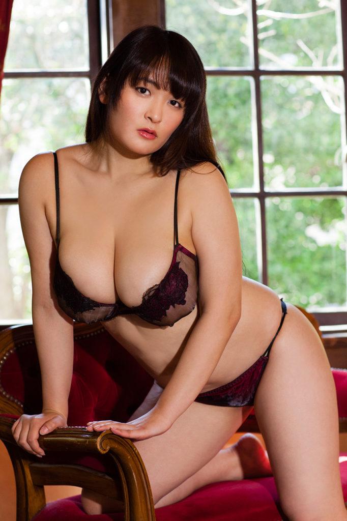 柳瀬早紀(28)100cm・Iカップのやなパイ最新グラビアエロ画像145枚・15枚目の画像