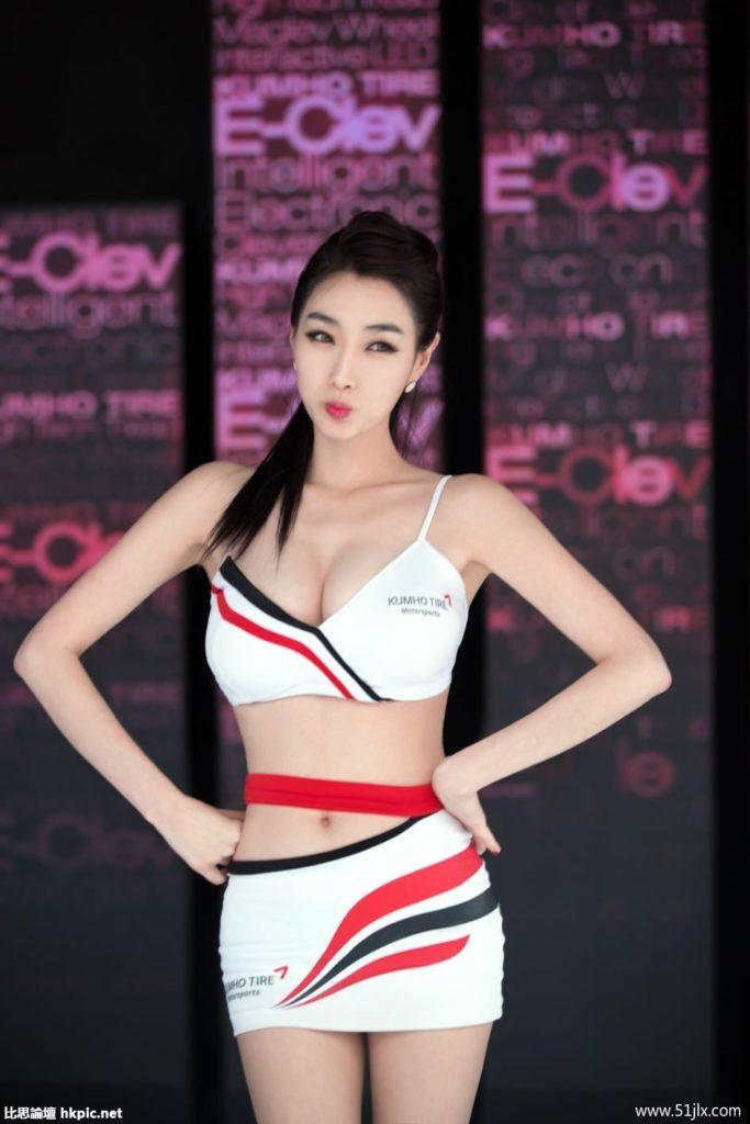 ストリップショーかな?台湾キャンギャルのエロ画像32枚・16枚目の画像