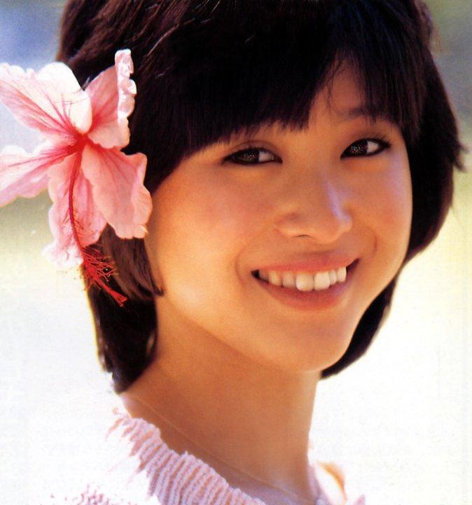 松田聖子(55)ヌード間近を匂わせるスケベ下着姿のエロ画像50枚・17枚目の画像