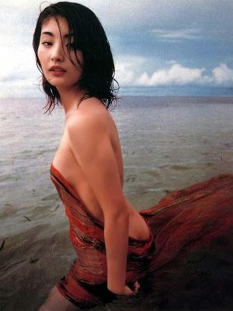 常盤貴子(44)ヌード濡れ場も混浴も平気!美人女優のエロ画像30枚・18枚目の画像